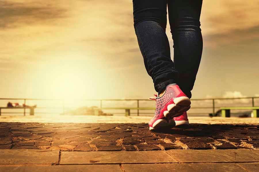 Exercício físico caminhada